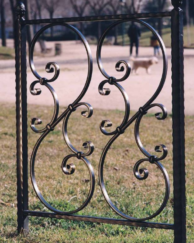 Separators and dividers in wrought iron